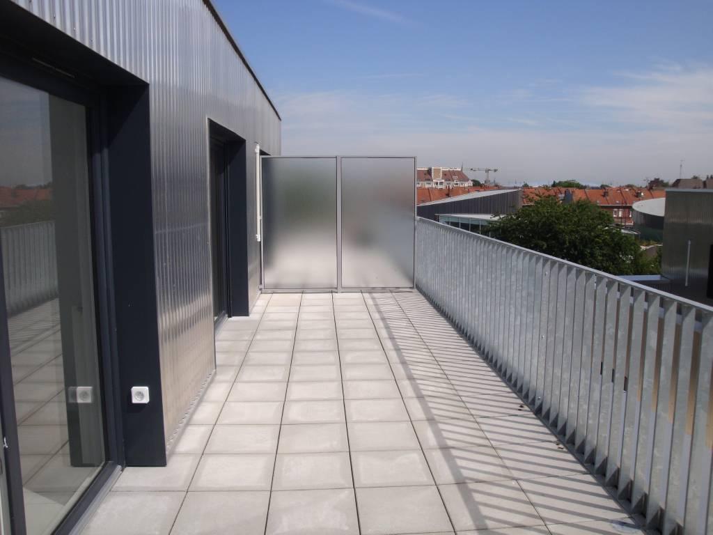 A LOUER LILLE T3 DE 64M² - RESIDENCE NEUVE- PARKING - PROCHE METRO ET EURASANTE